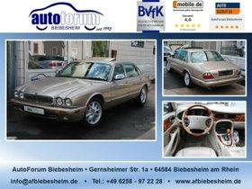 JAGUAR Daimler 4.0 V8 Super Langversion-4-Sitzer-S-Dach