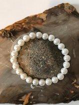 Wunderschönes Perlenarmband aus Shell Perlen mit Anhänger