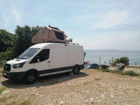 Ford Transit Camper mit Dachzelt