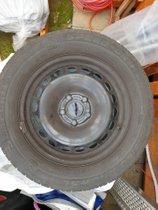 Semperit Speed Grip 2 auf Stahlfelge 6 1/2 Jx16 H2 ET44, 215/60 R, gebraucht