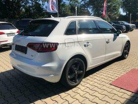 AUDI A3 Sportback 2.0TDI NP38t Sitzh Navi Xenon Tempo