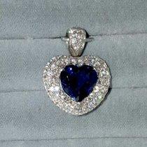Wunderschöner Herzanhänger mit einem kornblumen blauen Safirherz