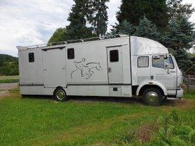 Pferdetransporter Gimmel Aufbau