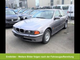 BMW 523 i Xenon StandHZG AHK-abn. Klimaaut SHZ PDC