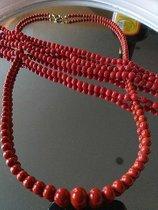 Feinste Korallenkette und passendes Armband aus seltenster Sardenja Koralle