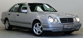 MERCEDES-BENZ E 280 193PS Automatik Elegance Standheizung
