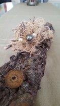 Schwebende 1 tahitifarbene Perle und 2 Akoyaperlen