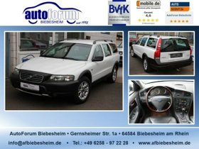 VOLVO XC70 D5 AWD Premium 1.Hand-abn.AHK-Leder-DPF-...