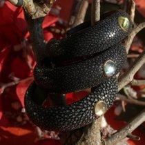 Armreif aus Rochenleder mit einem wunderschönen Citrin in 14 Karat Gold