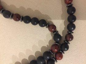 Halskette mit schwarzem Onyx, Hämatit und Jaspis